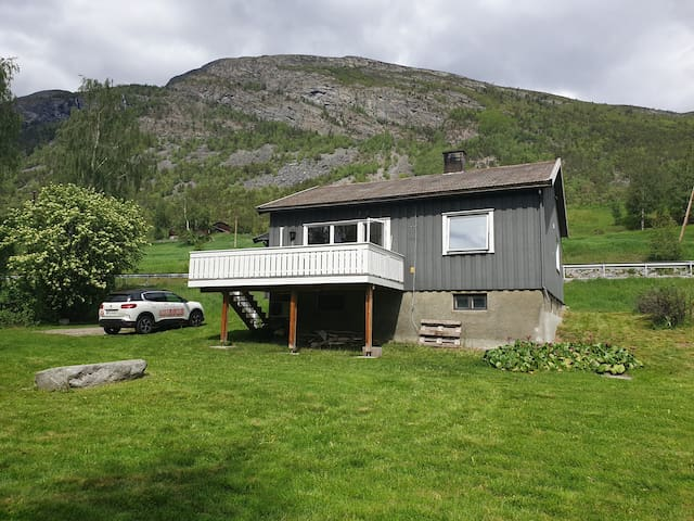 Newly renovated house between mountains and fjords