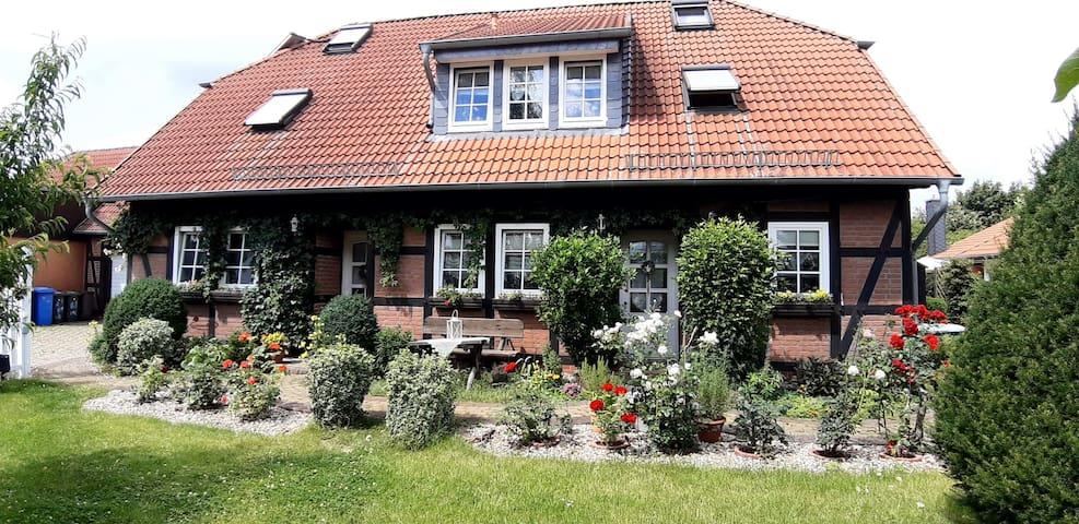 FeWo im Grünen in Schönebeck - Bad Salzelmen