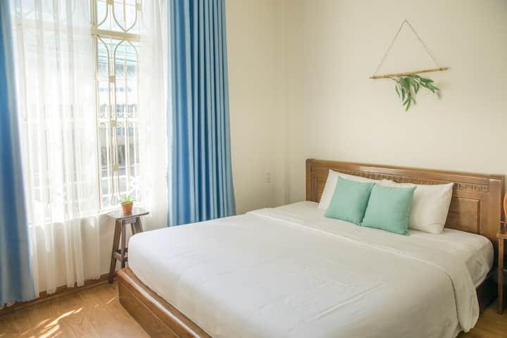 Bright, Comfortable Room <10MIN TO DRAGON BRIDGE>