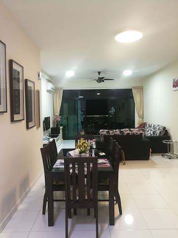 Bukit indah@skyloft apartment (Near legoland)