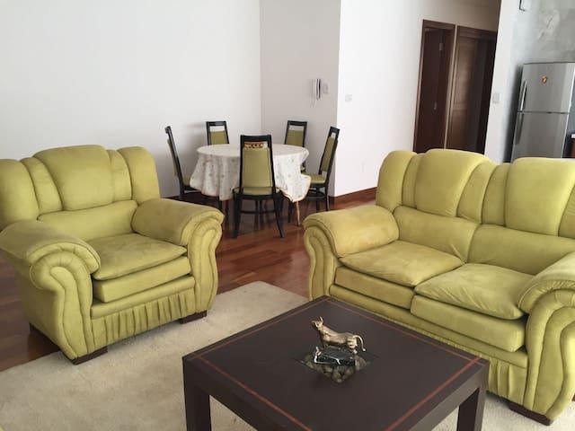 Apartamento 85 m2, Zona Norte de Cochabamba - Cochabamba - Apartment