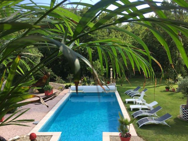 gite à la campagne, avec piscine chauffée