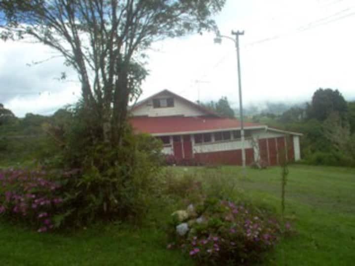 VARA BLANCA HOUSE