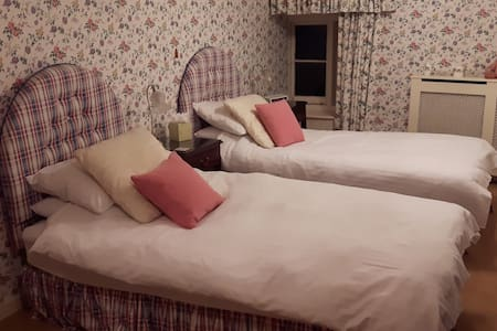 Double or Twin Room near Olney - Olney - 獨棟