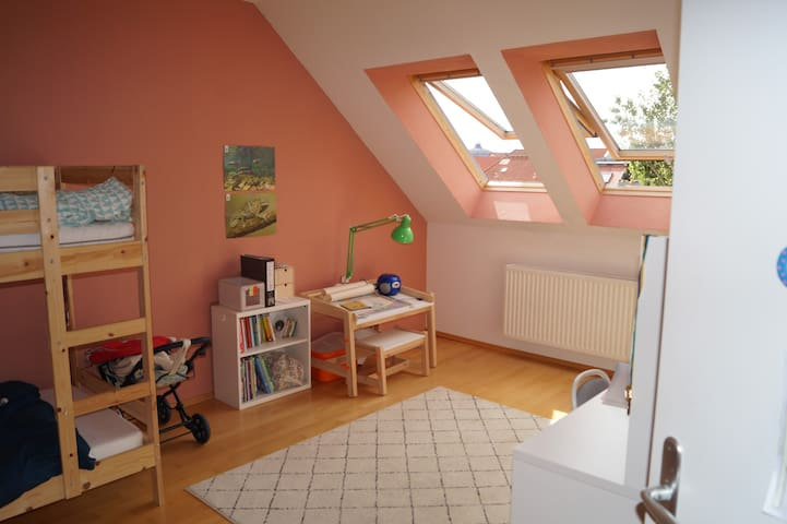 Gemütliches Zimmer in der Südvorstadt
