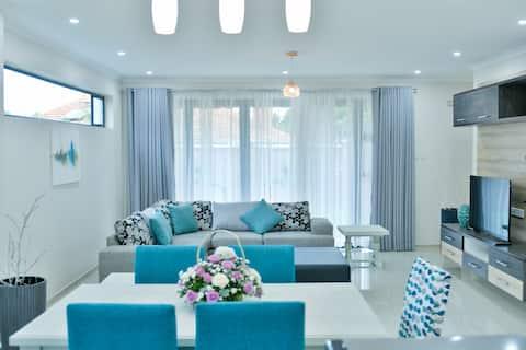Apartamento moderno de 5 estrelas, 6 dormitórios @ Sibiti