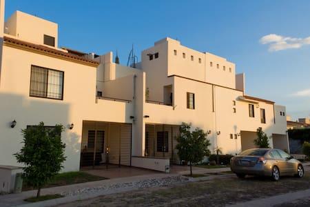 Casa ideal para ejecutivos - Celaya - Hus