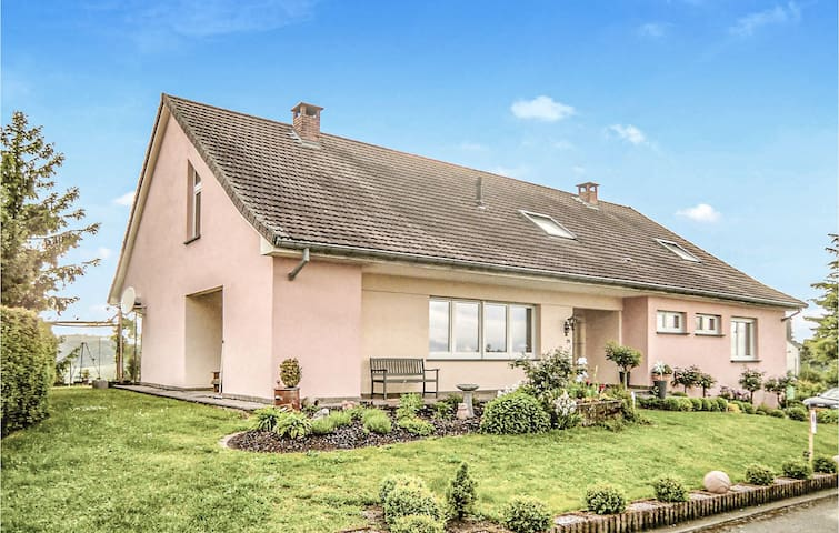 Holiday apartment with 2 bedrooms on 120m² in Erpeldange-Remich