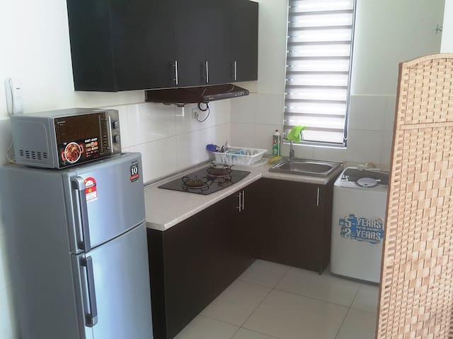 Full Set Of Kitchen