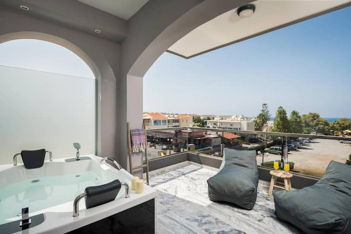 Sun Ray Luxury Suite 203 With Jacuzzi & Hammam | 100m From Agia Marina Beach