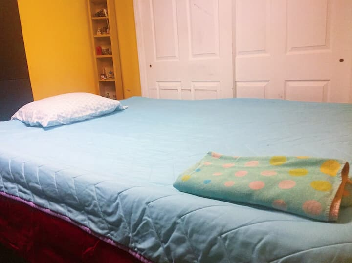 Open Space Room near Train to NYC+EWR *DISCOUNTED*