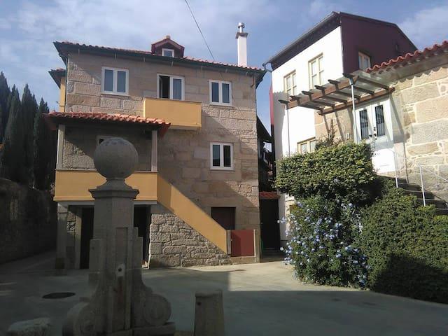 """""""Venustu House"""" - a 50 m do Rio Lima"""