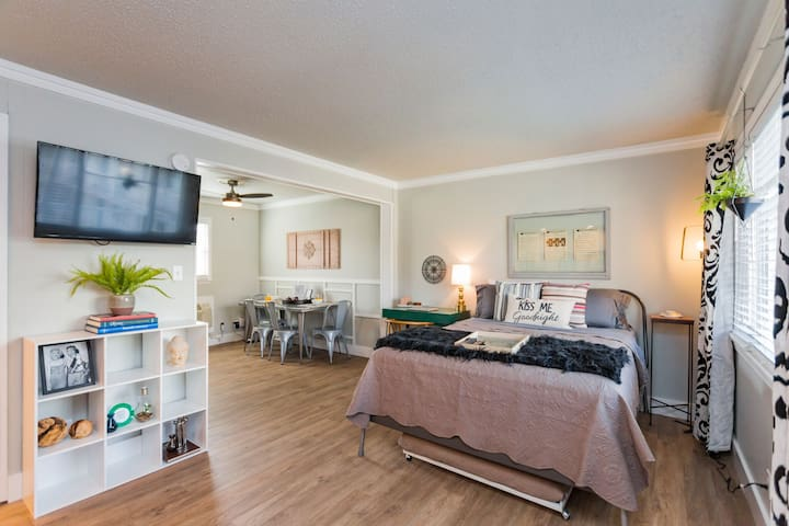 Minutes to Downtown | Pool Inquire for long term