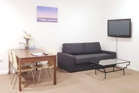 New 2BR Apartment near Sydney Flemington Station