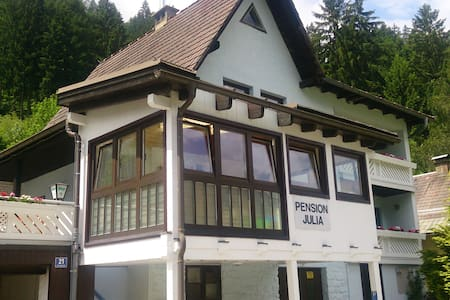 Pension Julia - Feld am See - Affordable comfort.