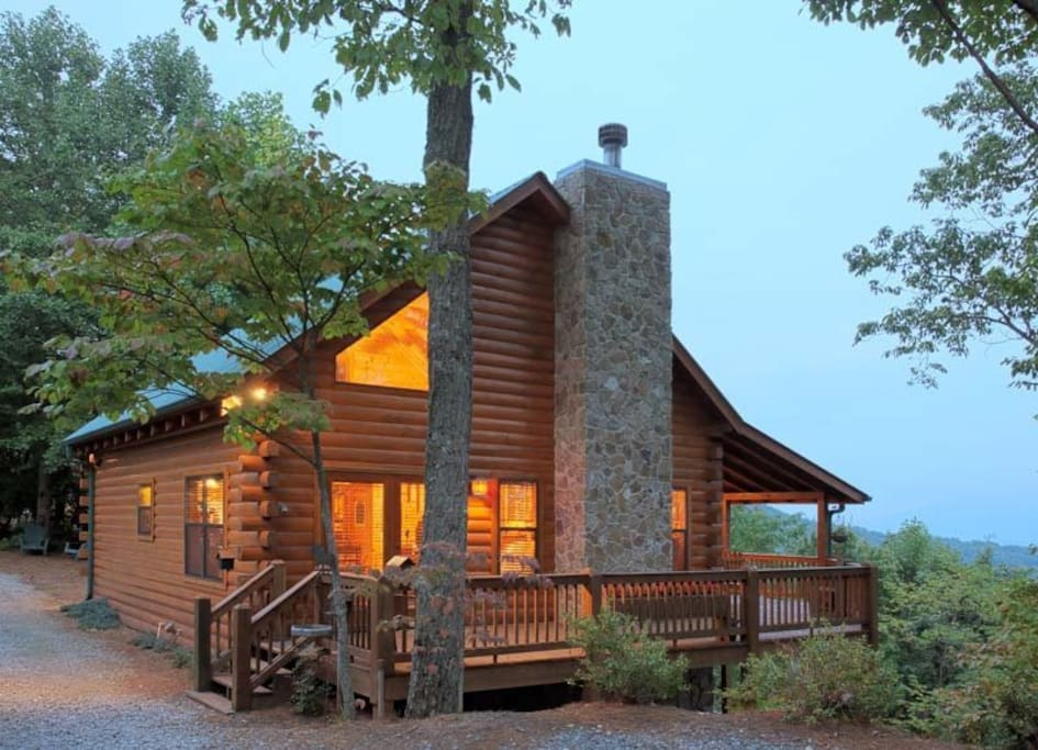 R neck of the woods cabins for rent in ellijay georgia for Large cabins in north georgia mountains