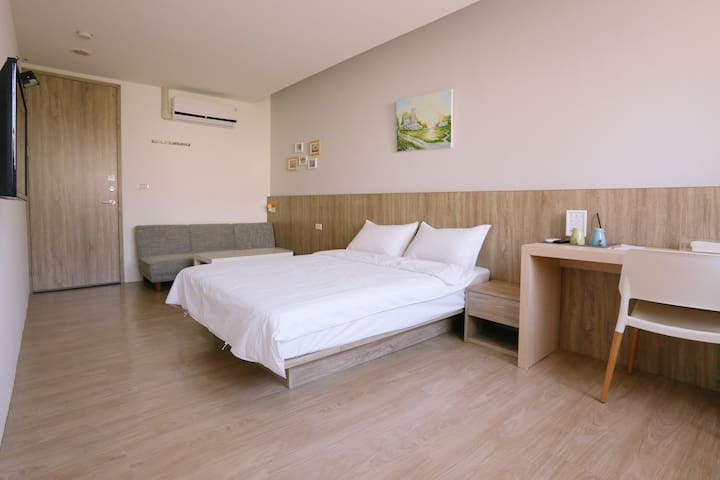 Nistay - Breeze Double Room (1 double bed)