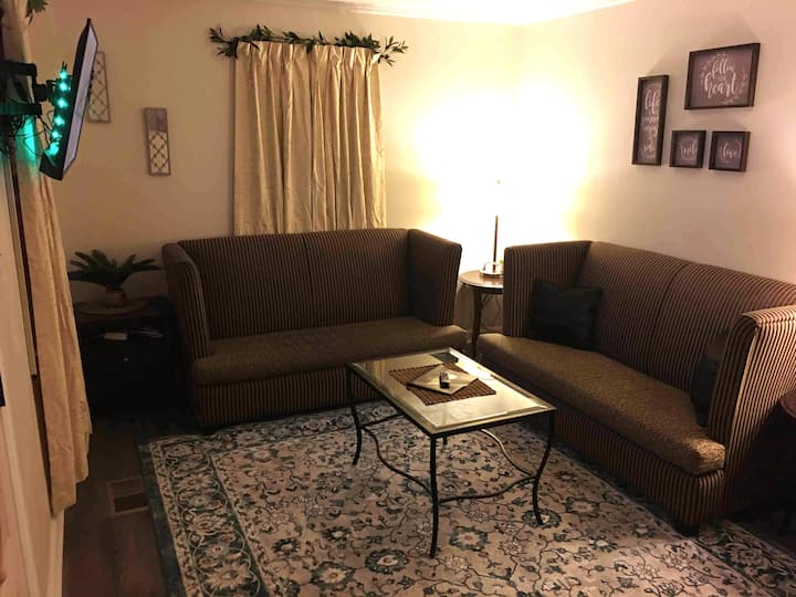 (1 Bedroom Home) Pet Friendly(Day And Weekly Rates