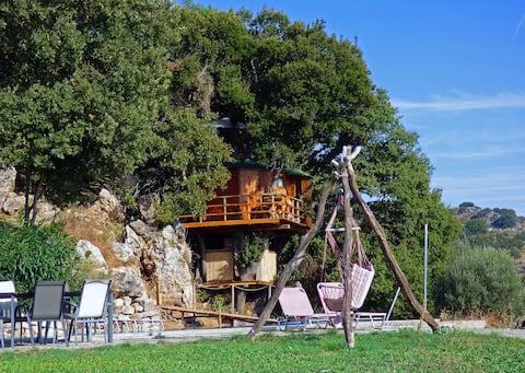 Treetop Hideaway..Rethymnon.