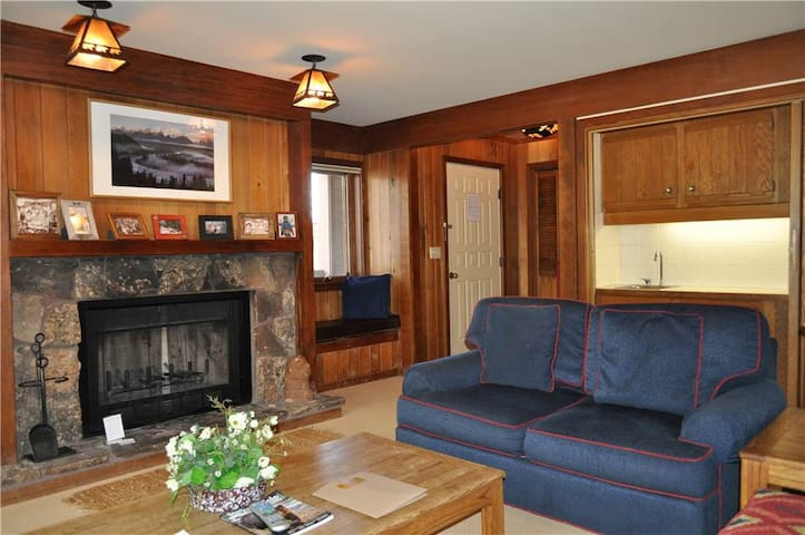 Teewinot C3 - Great Family Condo with Western Ambience!