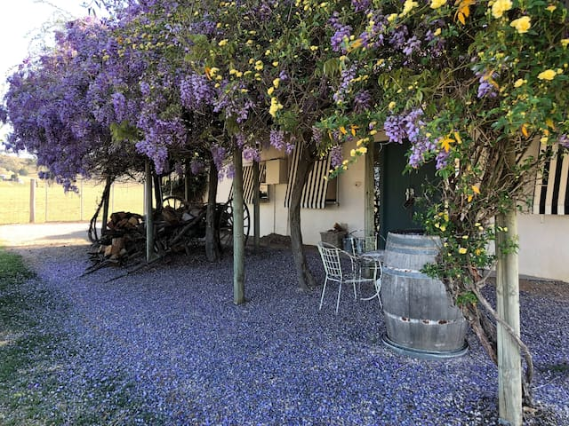 Deer Cottage at Melrose Park, Mudgee: