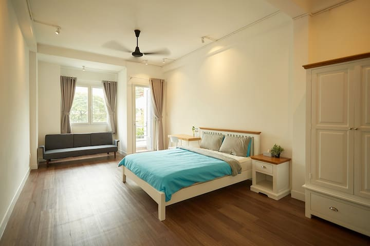 Deluxe suite in artisan cafe with FREE breakfast! - Ho Chi Minh City - Bed & Breakfast