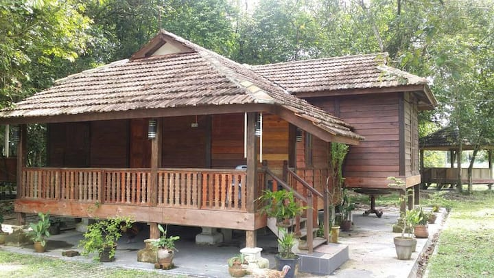 Kampung Karyawan Malim ('Atok' Mixed/Shared Dorm)