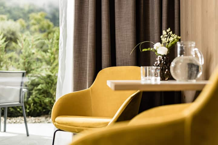 'Double Deluxe Suite with Terrace' in the Panorama Residence Saltaus with Mountain View, Wi-Fi, Terrace, Sauna & Vitality Area; Parking Available