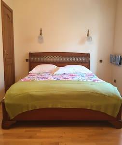5**** COMFORTABLE PRIVATE BEDROOM HEART OF TALLINN - Таллинн - Квартира