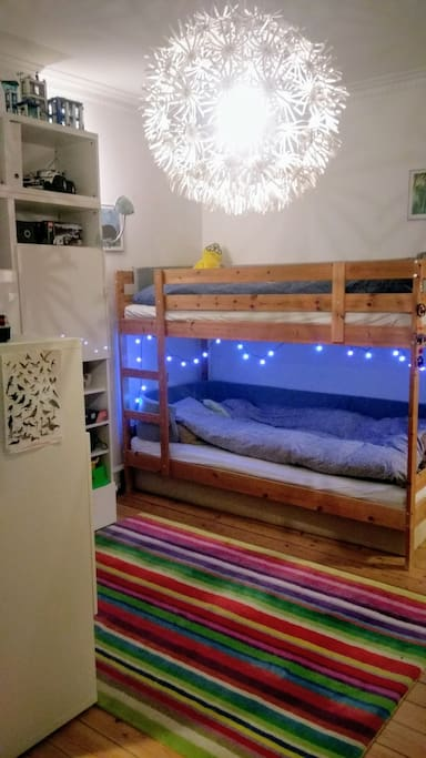 Large Kids room with bunkbed