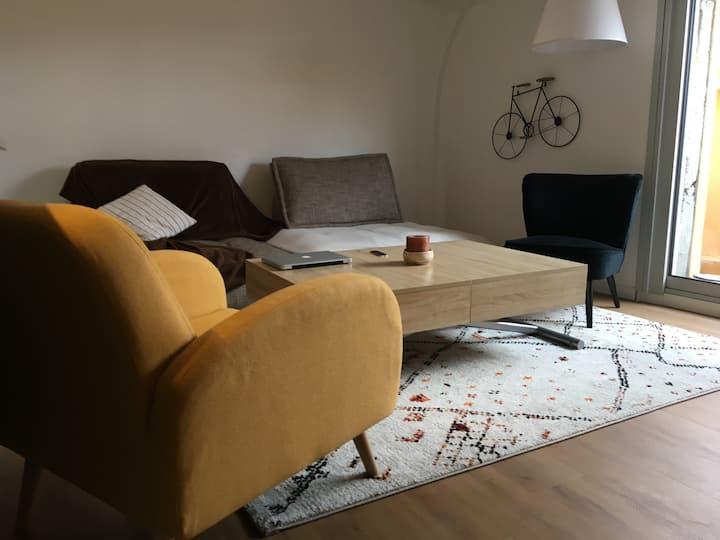 Appartement T3 avec balcon. Bon temps assuré!