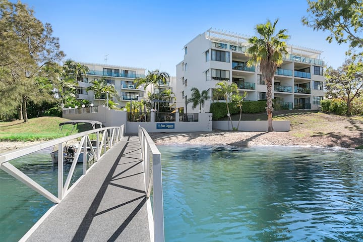 Noosa Waterfront - River Front 3 Bed Apartment
