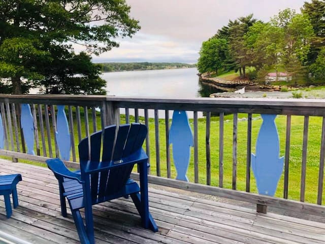 Waterfront cabin on Lahave River near Lunenberg