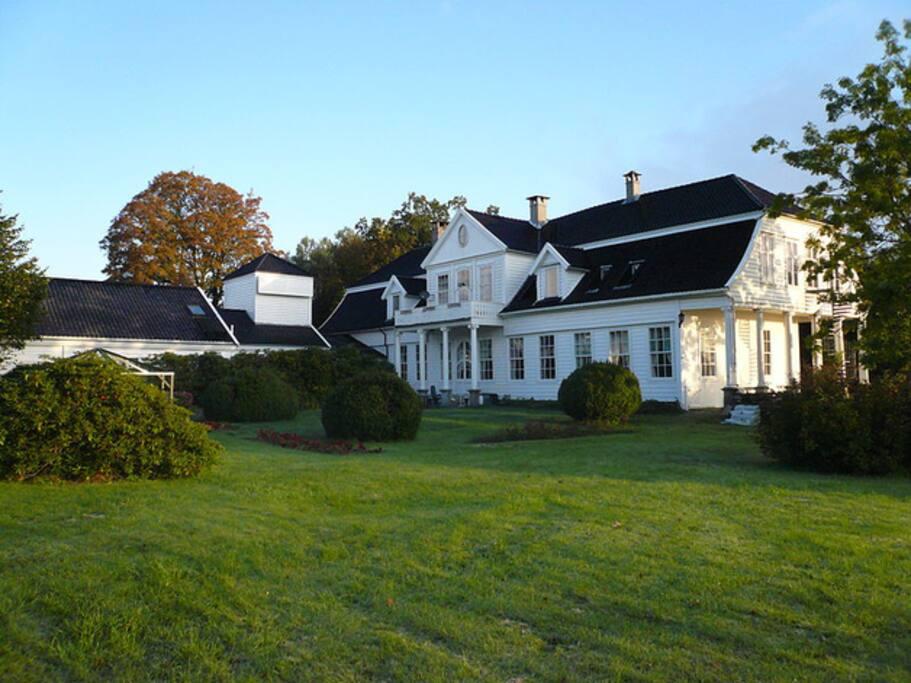 Villa Fenring seen from the garden