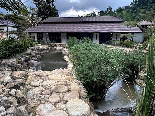 Charis Janda Baik Villa 3: Atop a Flowing River
