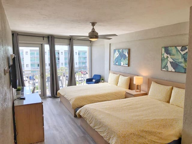 Stylish Ocean View Studio in Daytona Beach!