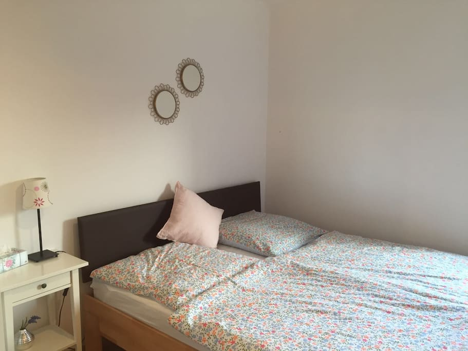 Private Room with TV, very comfortable bed, window and enough space