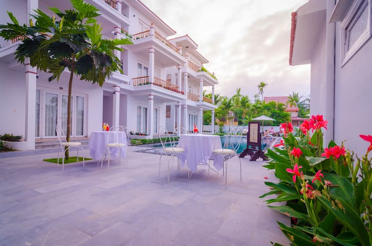 Family Room in Villa - Swimming Pool & Breakfast - Hội An - Vila