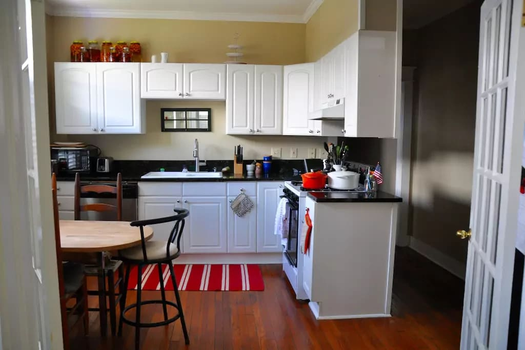 Sunny and fully equipped kitchen