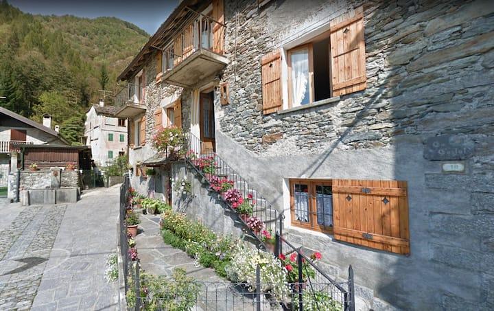 Casa In Pietra A Scopetta