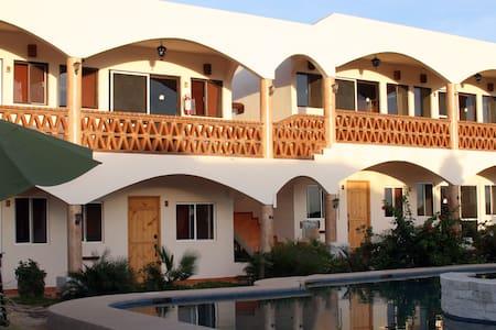 Hotel Olas de Cerritos - El Pescadero - Bed & Breakfast