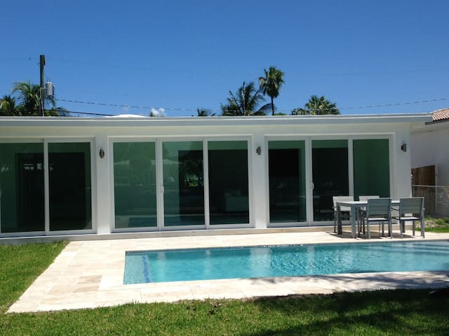 Magnificent House on riverside - Pool / 4 bedrooms - Miami Beach - Casa
