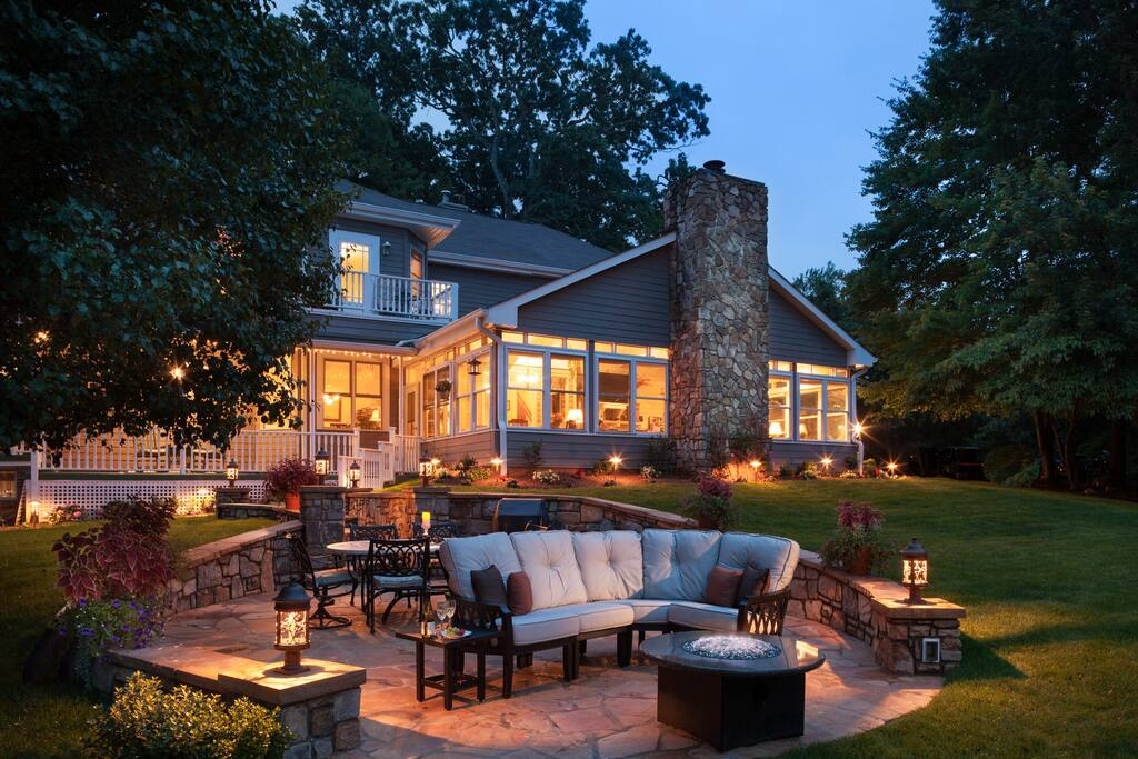 The Andon-Reid Inn patio and fire pit by night