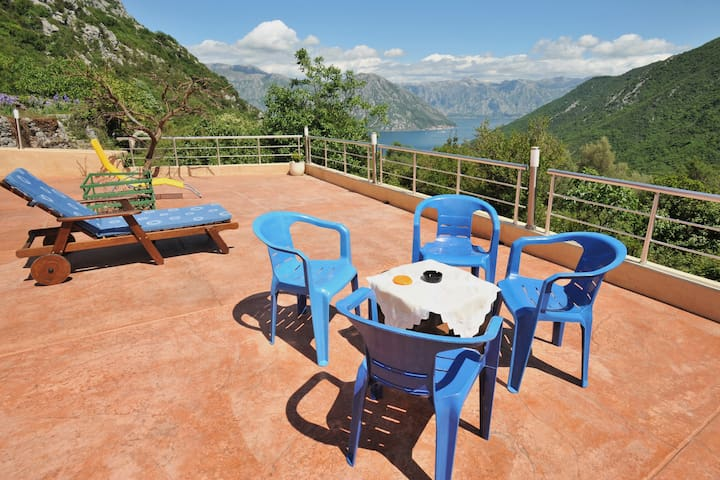 Studio with a panorama view on the Kotor Bay