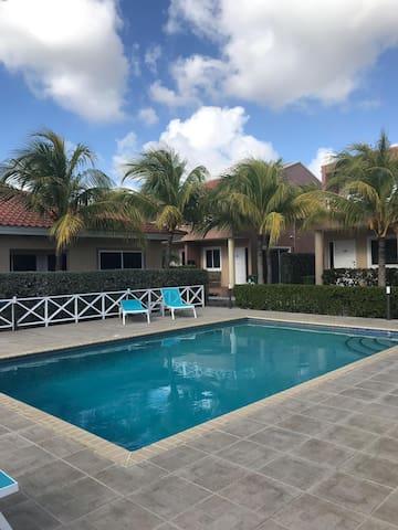 CaribbeanBeachResort16,centrally located@Piscadera
