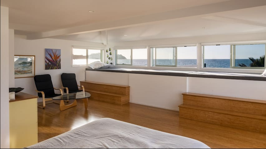 Prime beachfront apartment on Waiheke's best beach