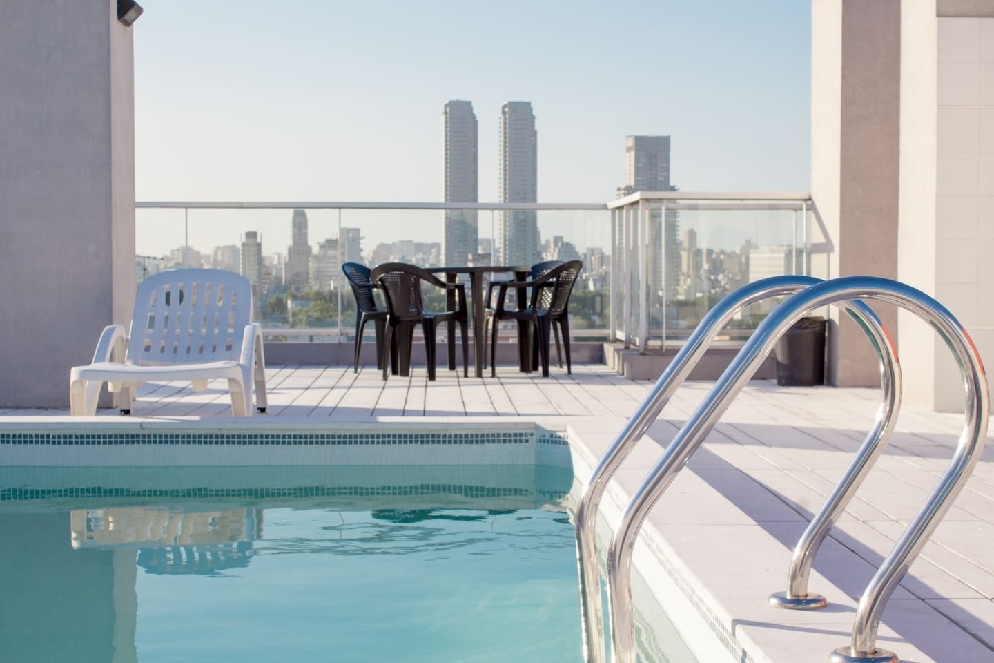 Stunning rooftop terrace with a panoramic view or Palermo Soho and a swimming-pool