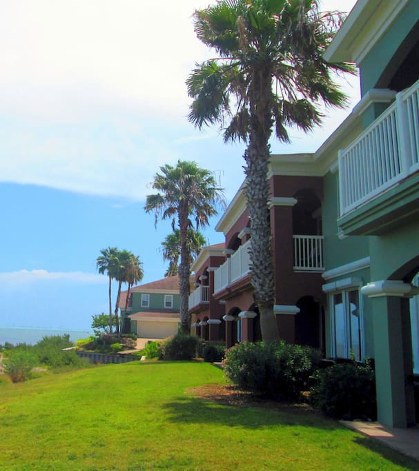 Townhome on the Bay in Golf Club Community!