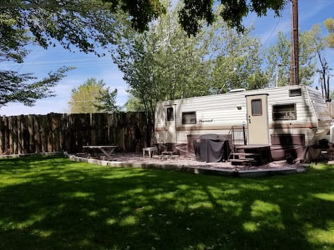 Country Cozy Trailer in Beautiful Setting