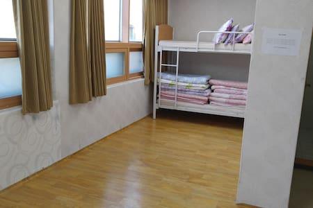 The Sky-Fish guestroom(보성 하늘물고기 하우스) - Deungnyang-myeon, Boseong - Studentrum
